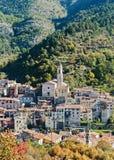 Деревня Luseram горы старая, Провансаль Alpes Cote d'Azur стоковое изображение rf