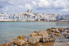 Деревня Naoussa традиционная греческая на острове Paros стоковые фото