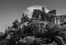 Деревня ` s Arquata del Tronto средневековая разрушенная землетрясением Стоковые Изображения