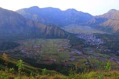 Деревня Sembalun от верхней части Стоковые Изображения RF