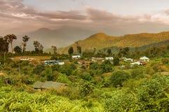 Деревня Silerygaon, с гималайской горой в фоне, Сикким стоковые изображения