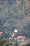 Деревня Tugu взгляда в Trenggalek, Индонезии стоковые фотографии rf