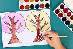 Дерево бумаги Diy 4 сезона лето, осень, зима, весна Сезон дерева 4 Творческие способности детей стоковое изображение