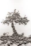 Дерево в земной иллюстрации сделанной из золы Стоковая Фотография RF