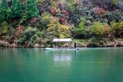 Дерево и озеро осени Стоковое Фото