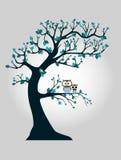 Дерево с ветвями и сычом Стоковая Фотография