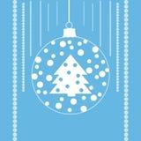 Дерево с снегом в шарике xmas Стоковые Фотографии RF