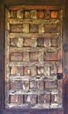 Деревянная античная дверь Стоковая Фотография