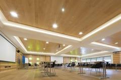 Деревянная архитектура современного конференц-зала Стоковая Фотография RF