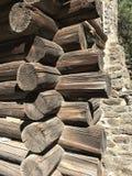Деревянная бревенчатая хижина Стоковые Изображения