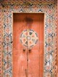 Деревянная дверь, Бутан Стоковая Фотография