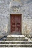 Деревянная дверь в виске Стоковое Изображение