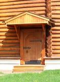 Деревянная дверь в ретро стиле Стоковая Фотография
