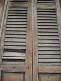 Деревянная дверь жалюзи Стоковое Фото