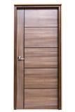 Деревянная дверь на изолированный Стоковое Изображение RF