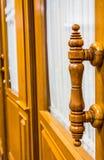Деревянная дверь ручки Стоковое Фото