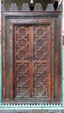 Деревянная дверь. Справочная информация стоковые изображения rf