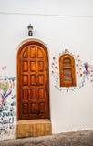 Деревянная дверь с закрытым окном Стоковые Фото