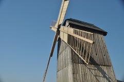 Деревянная ветрянка памятник античный стан Стоковые Изображения