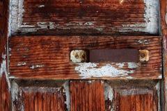 Деревянная винтажная дверь стоковые фотографии rf
