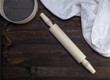 Деревянная вращающая ось и деревянная круглая сетка Стоковые Изображения RF