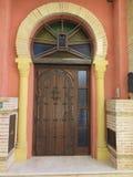 Деревянная высеканная дверь Стоковое фото RF