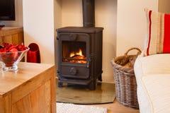 Деревянная горящая печка Стоковые Фотографии RF
