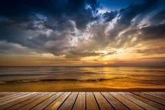 Деревянная дорожка на пляже Стоковая Фотография RF