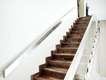 Деревянная лестница отделки стоковое изображение