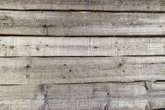 Деревянная загородка горизонтальных планок на солнечный день Стоковые Фото