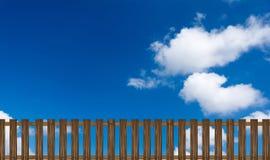 Деревянная загородка на предпосылке голубого неба Стоковые Изображения RF