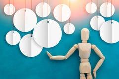 Деревянная диаграмма человека с белой круглой зоной знамени для вашего текста jpg Стоковая Фотография RF