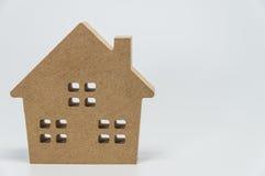 Деревянная игрушка дома с белой предпосылкой Стоковое Изображение