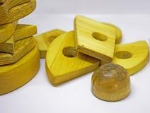 Деревянная игрушка пирамиды Стоковая Фотография RF