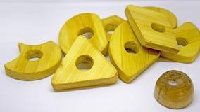 Деревянная игрушка пирамиды Стоковое фото RF