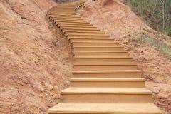Деревянная изогнутая лестница Стоковые Фотографии RF