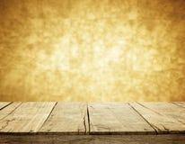 Деревянная и оранжевая предпосылка нерезкости стены Стоковое Фото