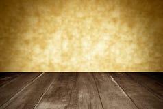 Деревянная и оранжевая стена Стоковые Фото