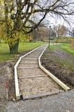 Деревянная конструкция учреждения пути в парке Стоковое Изображение RF