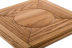 Деревянная коричневая античная таблица конца-вверх изолированная на белой предпосылке Стоковые Фотографии RF