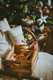 Деревянная коробка с разнообразие конфетой Стоковые Изображения