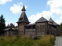 Деревянная крепость замка с башнями стоковое фото rf