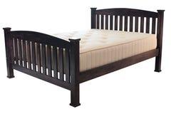Деревянная кровать с тюфяком Стоковое Изображение RF