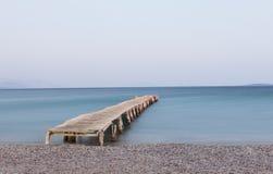 Деревянная мола на пляже Ipsos Стоковая Фотография RF