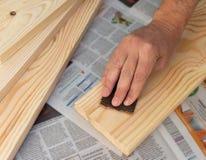 Деревянная обработка со шкуркой стоковое изображение