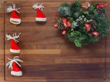 Деревянная доска с украшениями рождества Стоковые Изображения