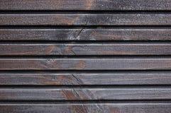 Деревянная доска террасы планки, чернота, серая деталь текстуры краски деревянной смолки, большая старая постаретая темнота - сер Стоковые Фотографии RF