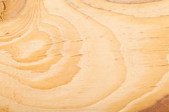 Деревянная пила текстуры отрезанная на доске Стоковые Фото