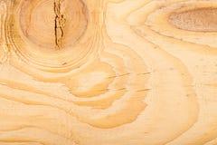 Деревянная пила текстуры отрезанная на доске Стоковые Фотографии RF