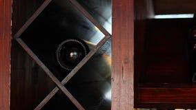 Деревянная полка вина сток-видео